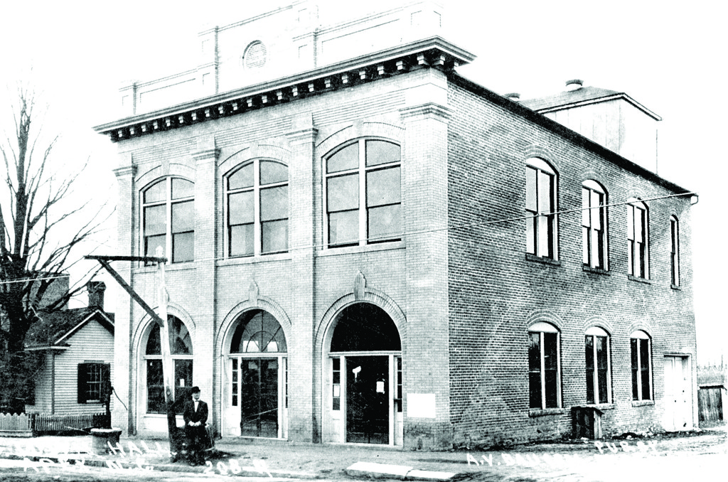 historicphoto-of-town-hall2-copy