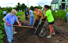 Growing the Community – Simple Gifts Community Garden _ By Lindsey Fano
